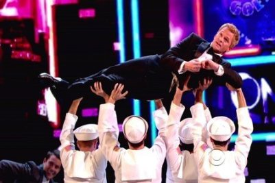 Neil_Patrick_Harris_performance_lights_up_a_gloomy_night_for_the_Brits_at_the_Tony_Awards