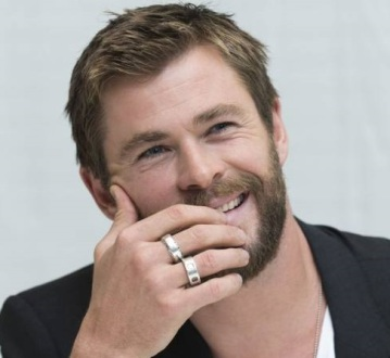 2246239-chris-hemsworth-en-conference-de-presse-950x0-2