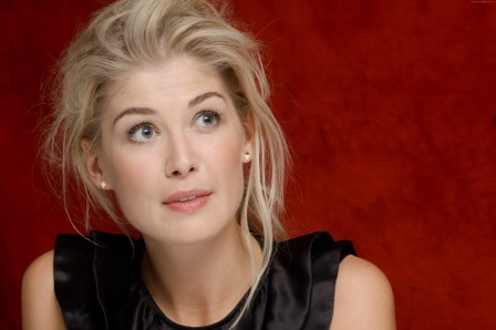 rosamund-pike-4752x3168-most-popular-celebs-in-2015-grammys-2015-best-2896