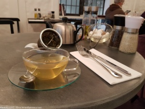 cafe_wh-smith_twinings_02