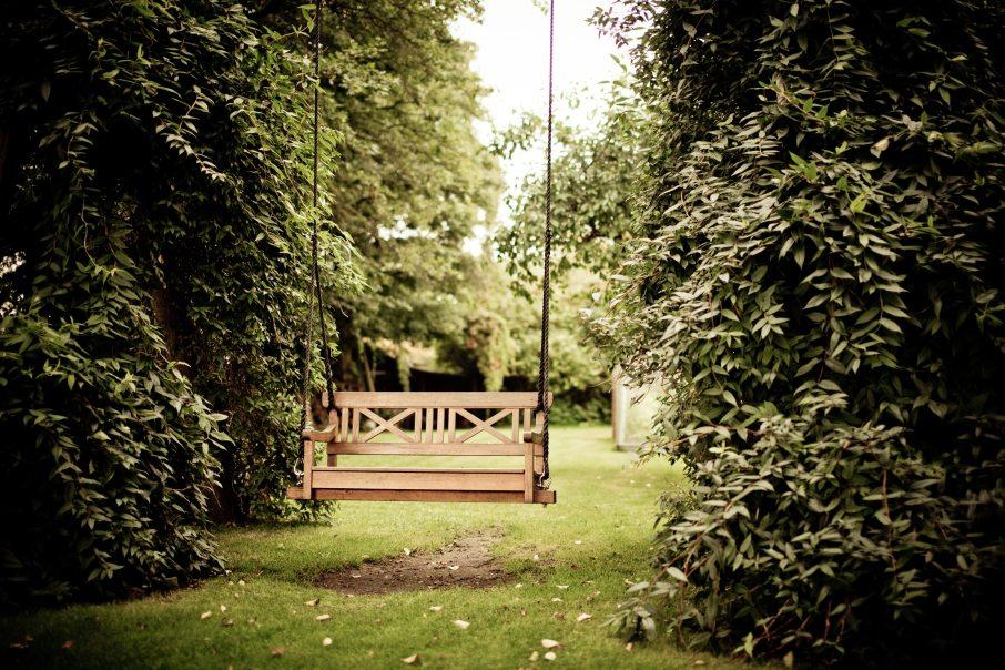bench-garden-grass-334978.jpg